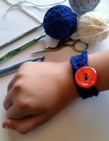 done kid crochet bracelet tutorial