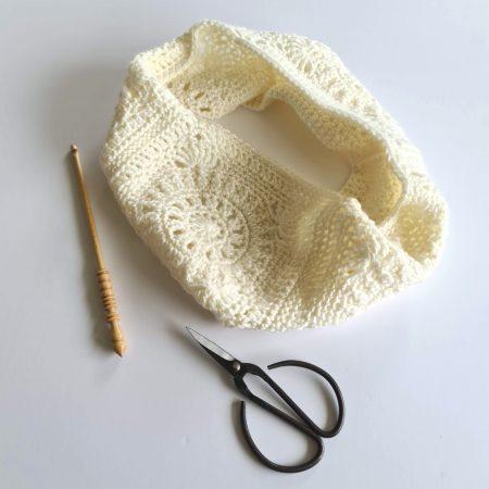 cream crochet cowl